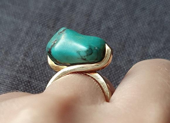 Modernist Brutalist 18 Carat  18k Gold Natural Turquoise Ring