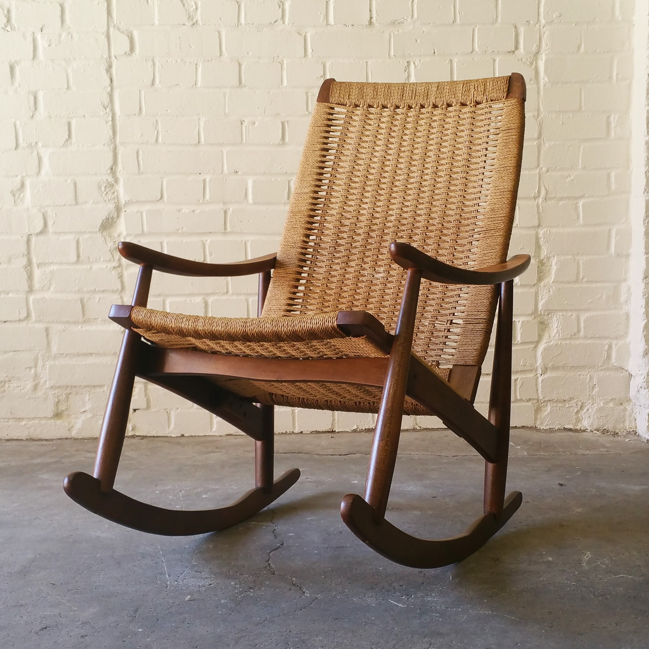 Astonishing It Rocks Vintage Hans J Wegner Style Rope Rocking Chair Ocoug Best Dining Table And Chair Ideas Images Ocougorg