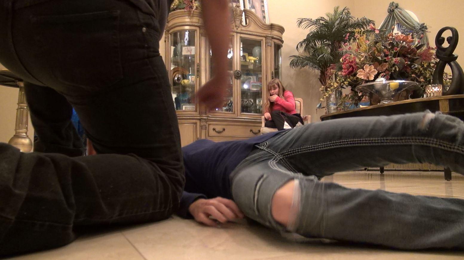 Mike beatdown Savannah react.JPG