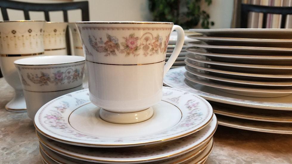Fine Ceramic Dishes 35 Pieces