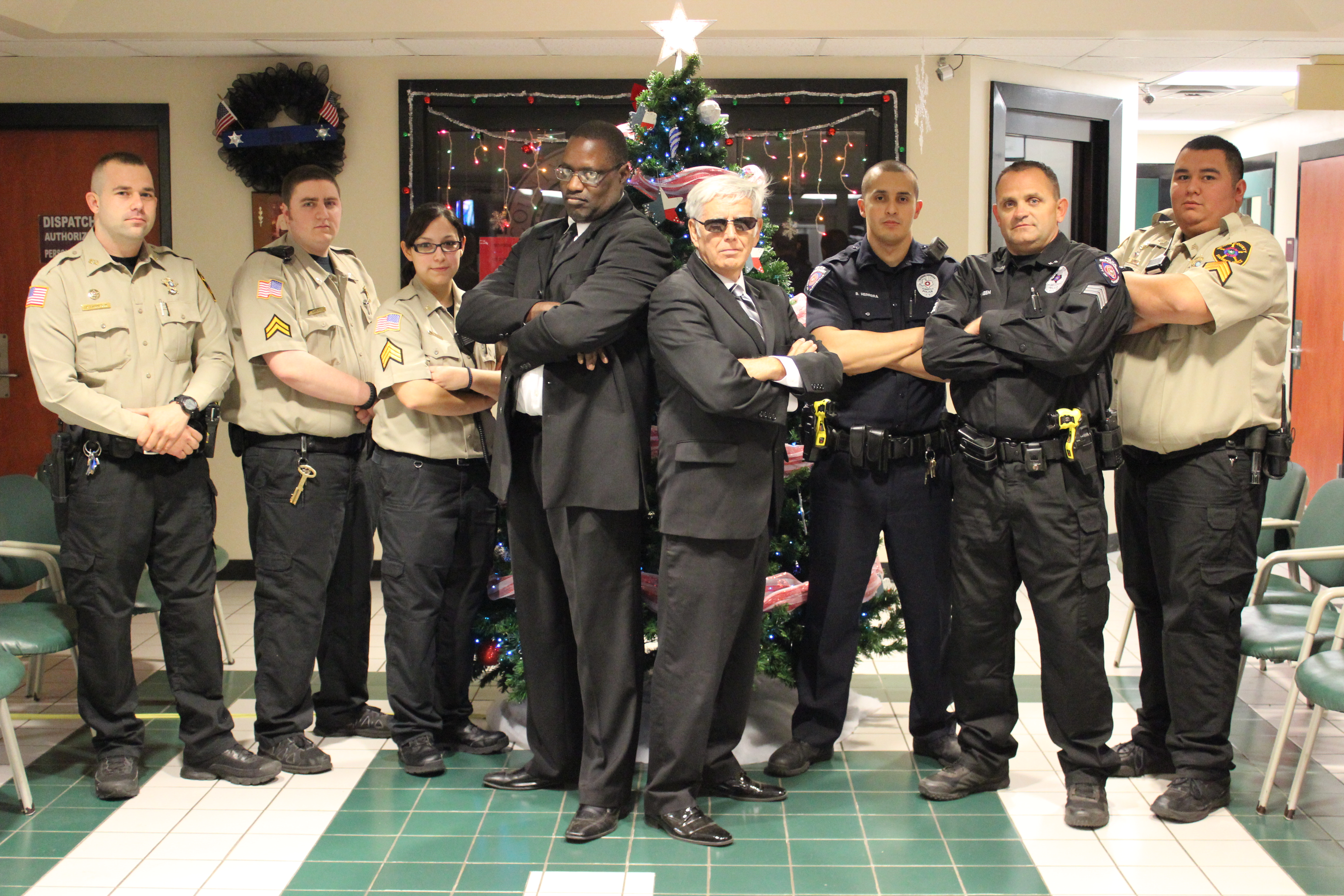 Film FBI Agents with Officers