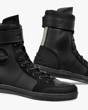 DIO SHOES LIMITED