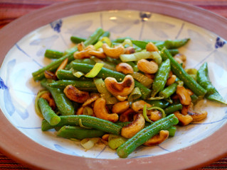 Green beans, snap peas with cashew