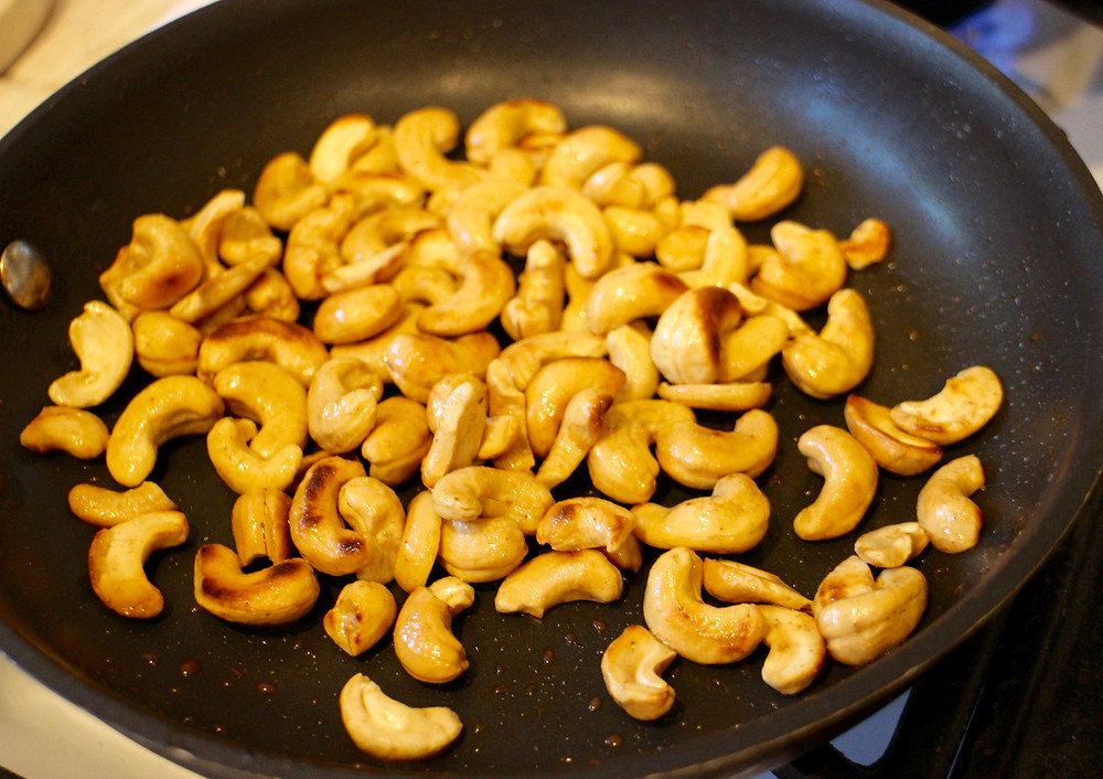 Toasted cashew, in olive oil 1 minute