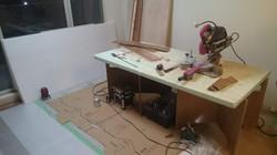 改装中/床貼り作業