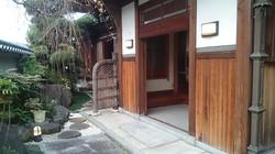 改装工事/玄関前