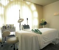 beverly-hills-spa-treatment-room copy.jp