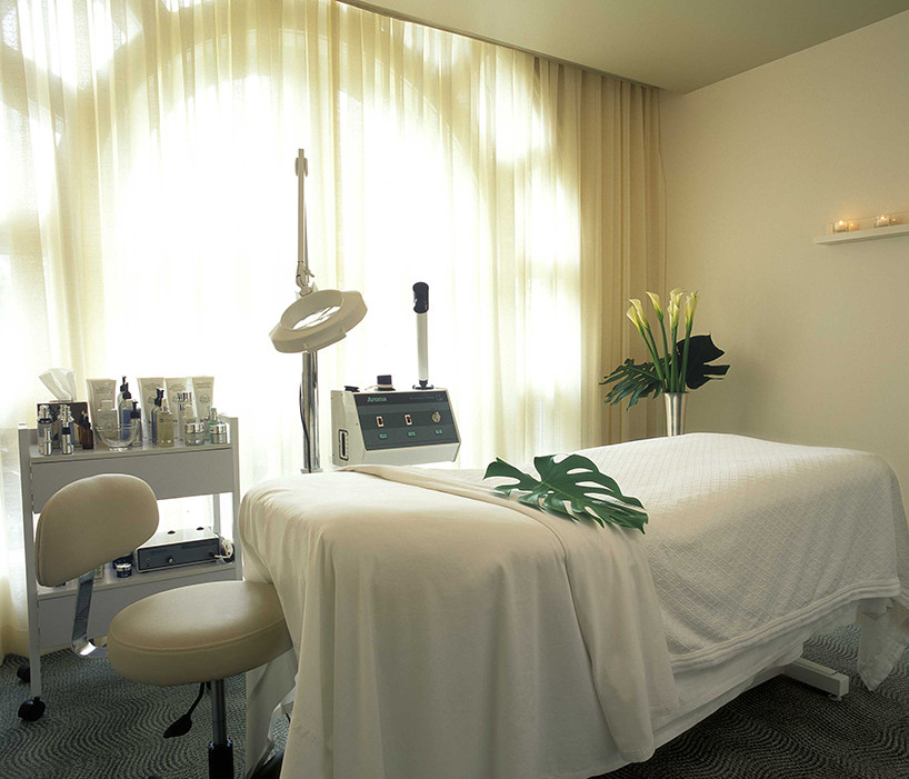 beverly-hills-spa-treatment-room copy.jp