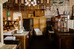 Cabinets / Hutches