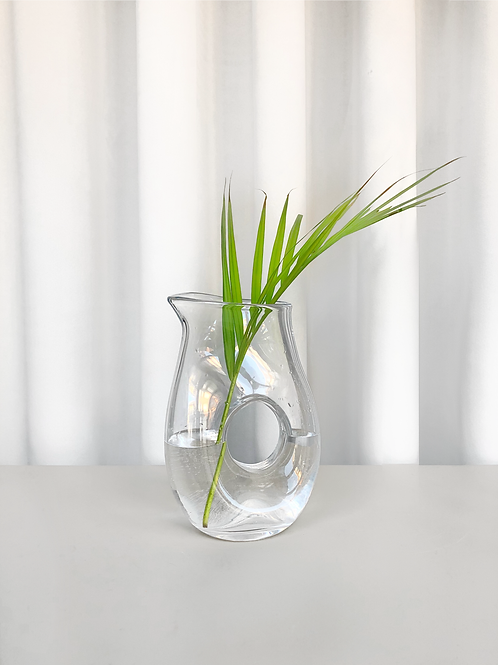 glass carafe/vase - circle opening