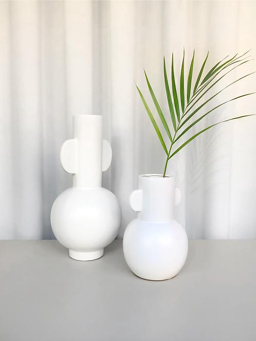 set of 2 vases