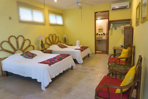 Family room Sea Hawk suites