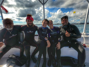 Scuba diving with friends on Isla Mujeres