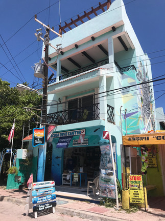 Sea Hawk dive shop and suites