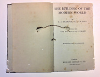 The Building of The Modern World, 2017 (livro aberto)
