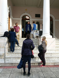 Artistas na entrada do Museu da Escola Catarinense