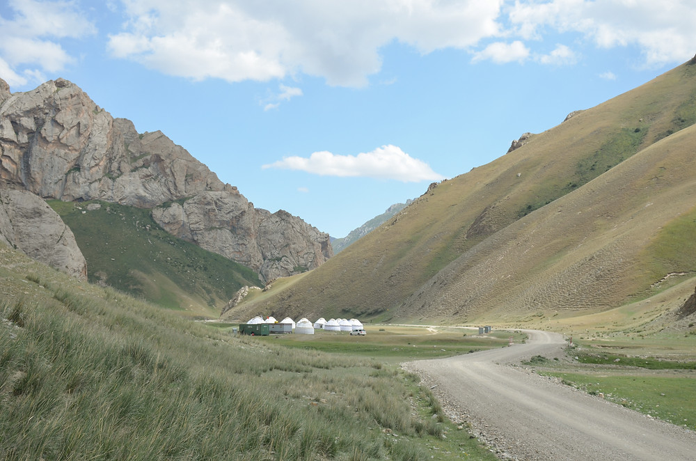 road to tash rabat, yurt camp