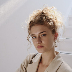 Model: Rosa