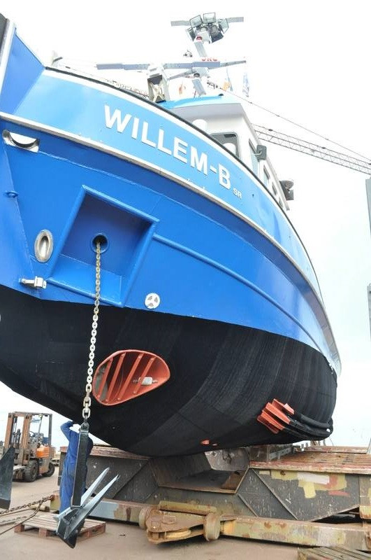 Tugboat Willem-B with Finsulate antifouling wrap.