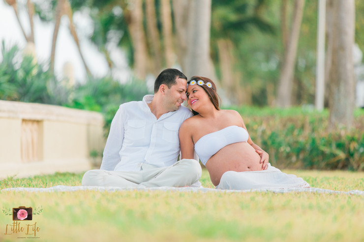 Beach Maternity Session | Miami Beach, FL | Nathalia & Edgar