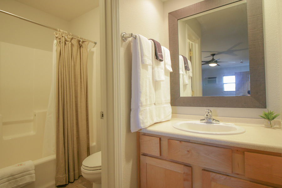 3rd Bedroom's Full Bath