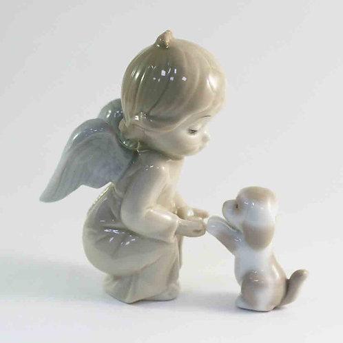 """Фарфоровая статуэтка """"Ангел и собачка"""""""
