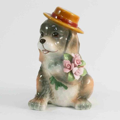 """Фарфоровая статуэтка """"Собачка с букетом"""""""