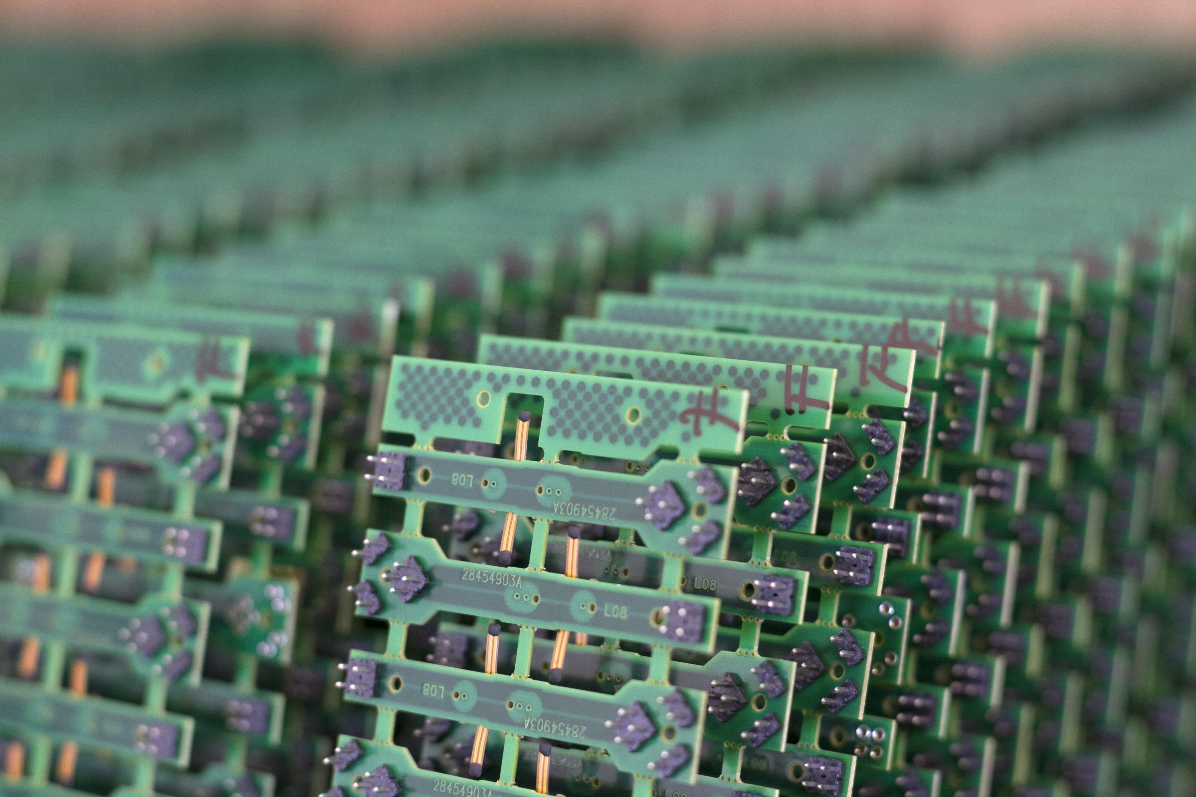 VUnics-PCB-09