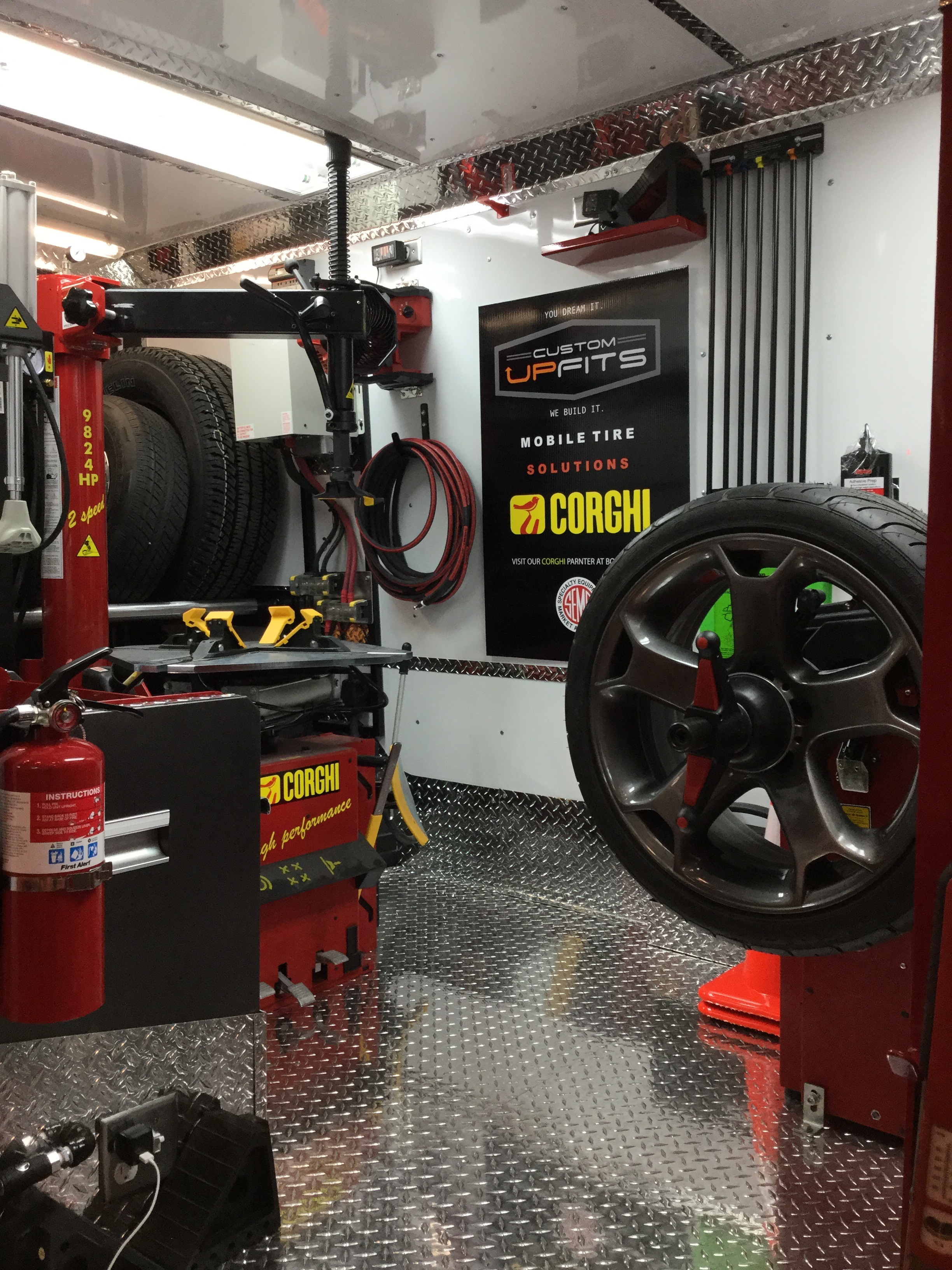 Mobile Tire Service >> Custom Upfits Mobile Tire Installation