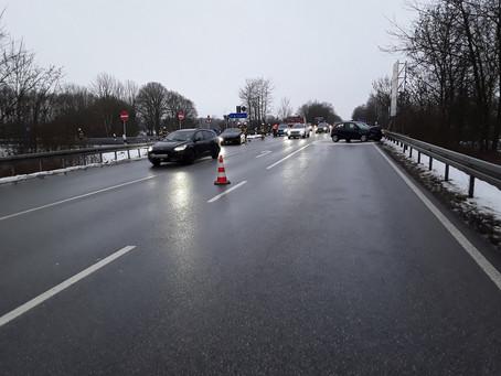 Verkehrsunfall Autobahnbrücke
