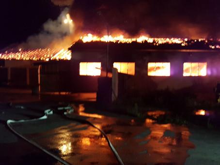 Hallenbrand bei Holzland Kohn