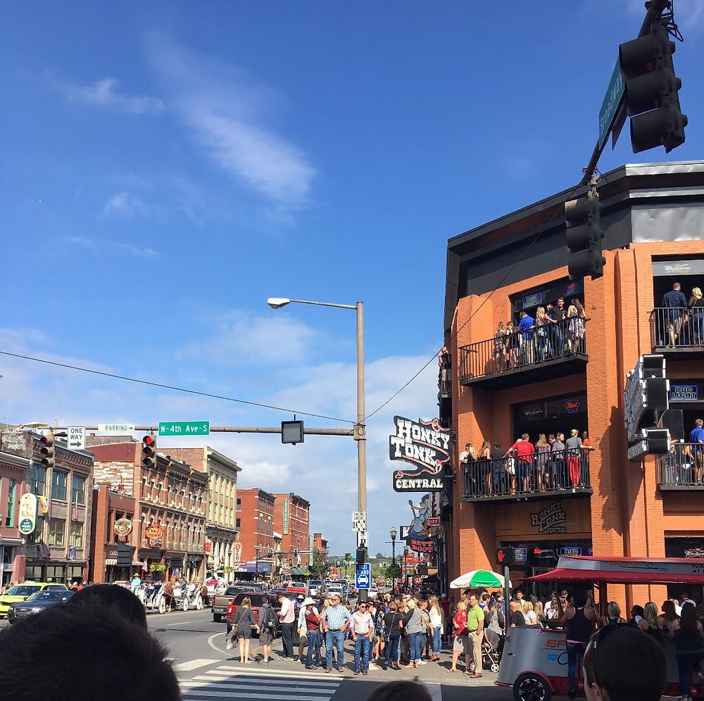downtown nashville broadway