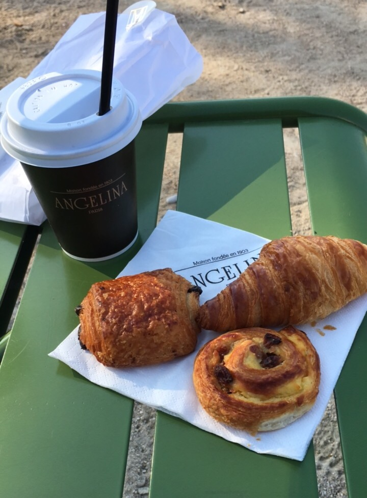 angelina pastries and hot chocolate
