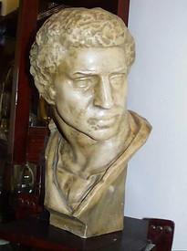 Busto marmoreo