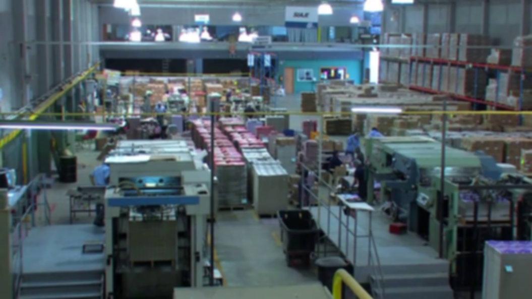 Caja de crton, Best Graphics SA de CV es una empresa integrada en diseño y fabricación de envases. La compañía produce varios diseños de embalaje para muchas empresas familiares en todo el mundo. Su ambición de crecer, y el uso de estado de la tecnología de arte, ha tomado su camino para convertirse en uno de los fabricantes más confiables por las marcas famosas. Además de sus precios competitivos, la calidad es lo que llevó a la compañía a lograr su éxito de convertirse en un nombre de confianza en la industria