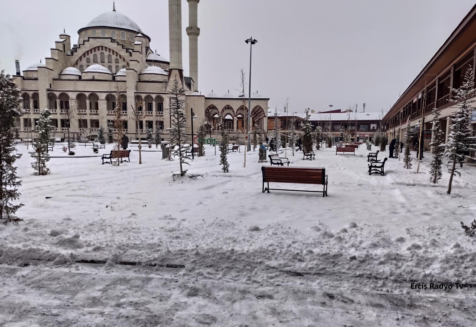 Kara_Yusuf_Paşa_Cami.jpg