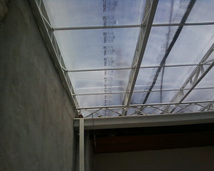 Cobertura de policarbonato aveolar cristal