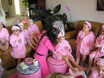 Mobile Spa Parties by St. Louis Children's Party