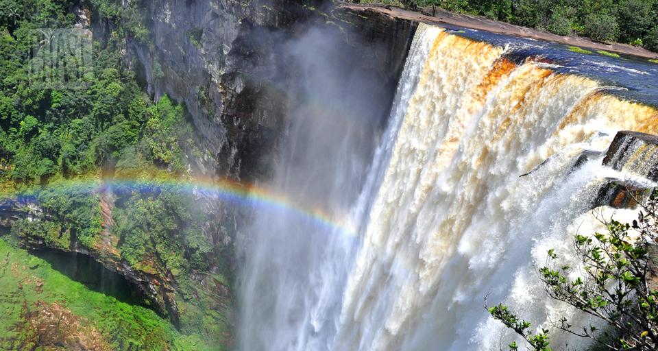 Kaietuer Falls in Guyana