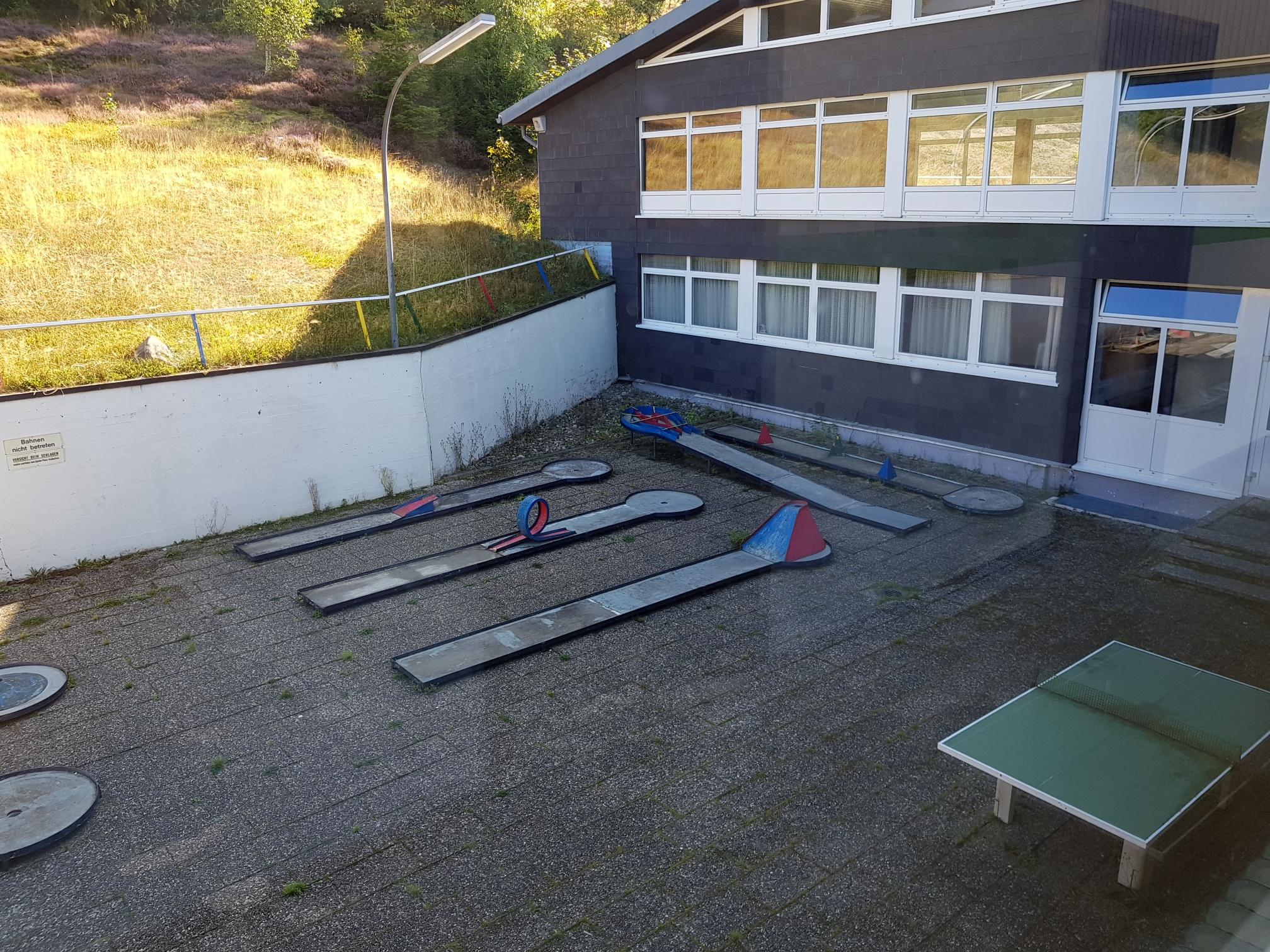 Bernau Minigolf und Tischtennis