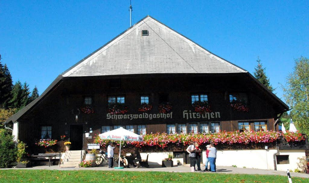Hirschen Haus Front
