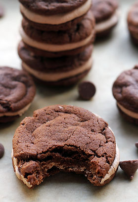chocolate-cookie-sandwiches-with-malted-