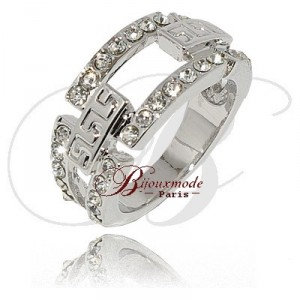 Bague rhodie incrustee de strass cisele