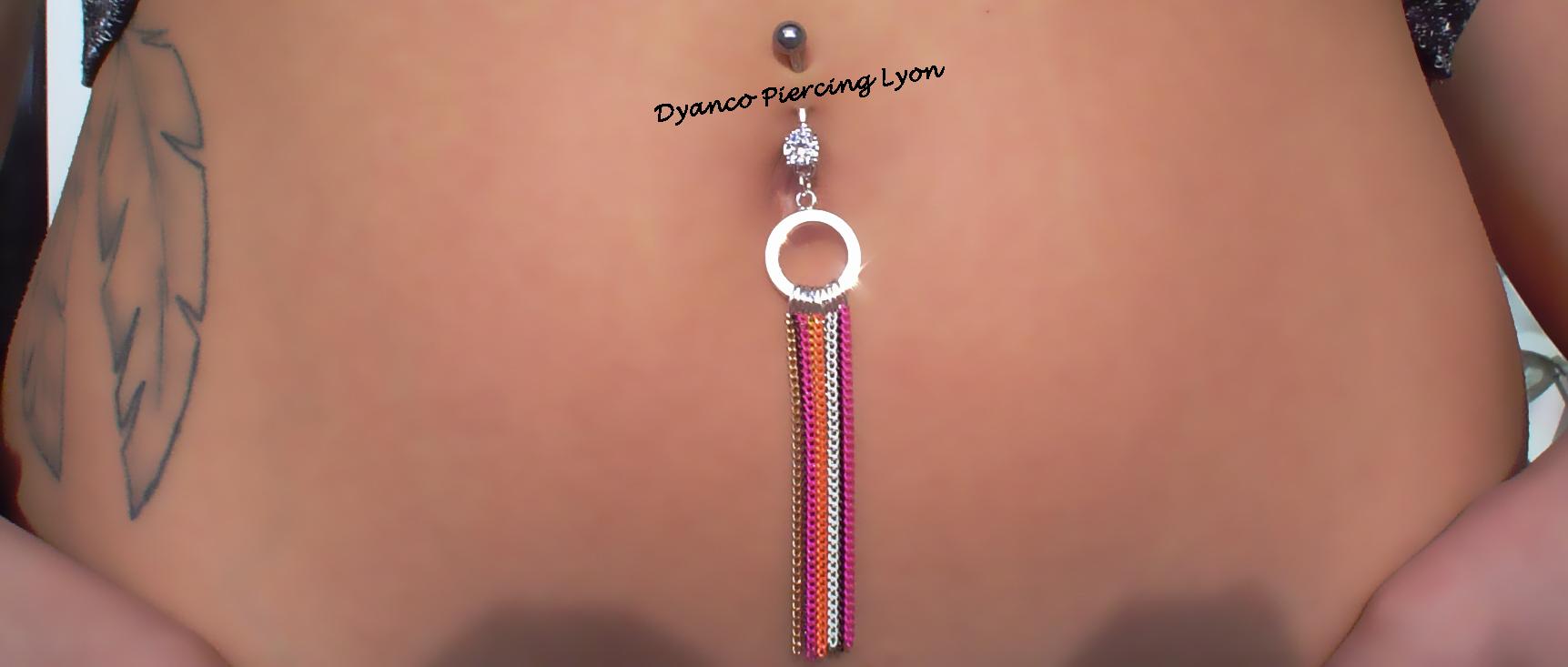 piercing  nombril anneau et chaine - dyanco