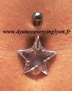 Piercing nombril etoile swarovski diamant - 02.jpg