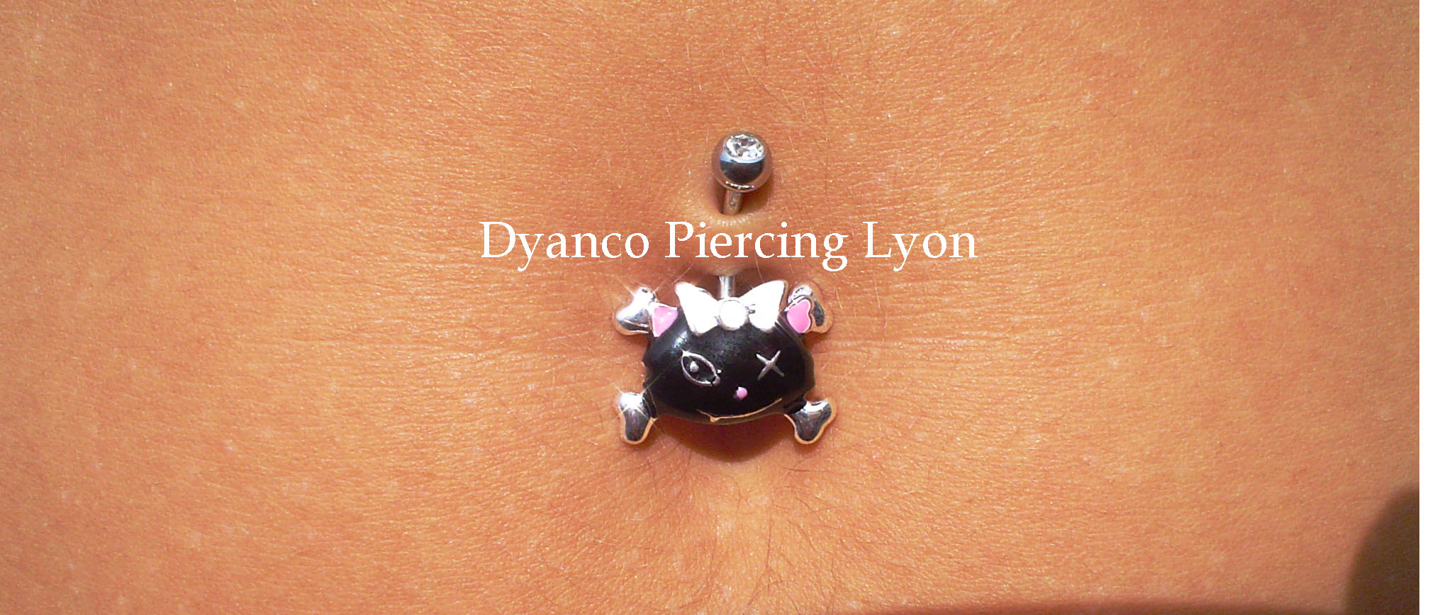 piercing nombril chaton sauvage 02.jpg