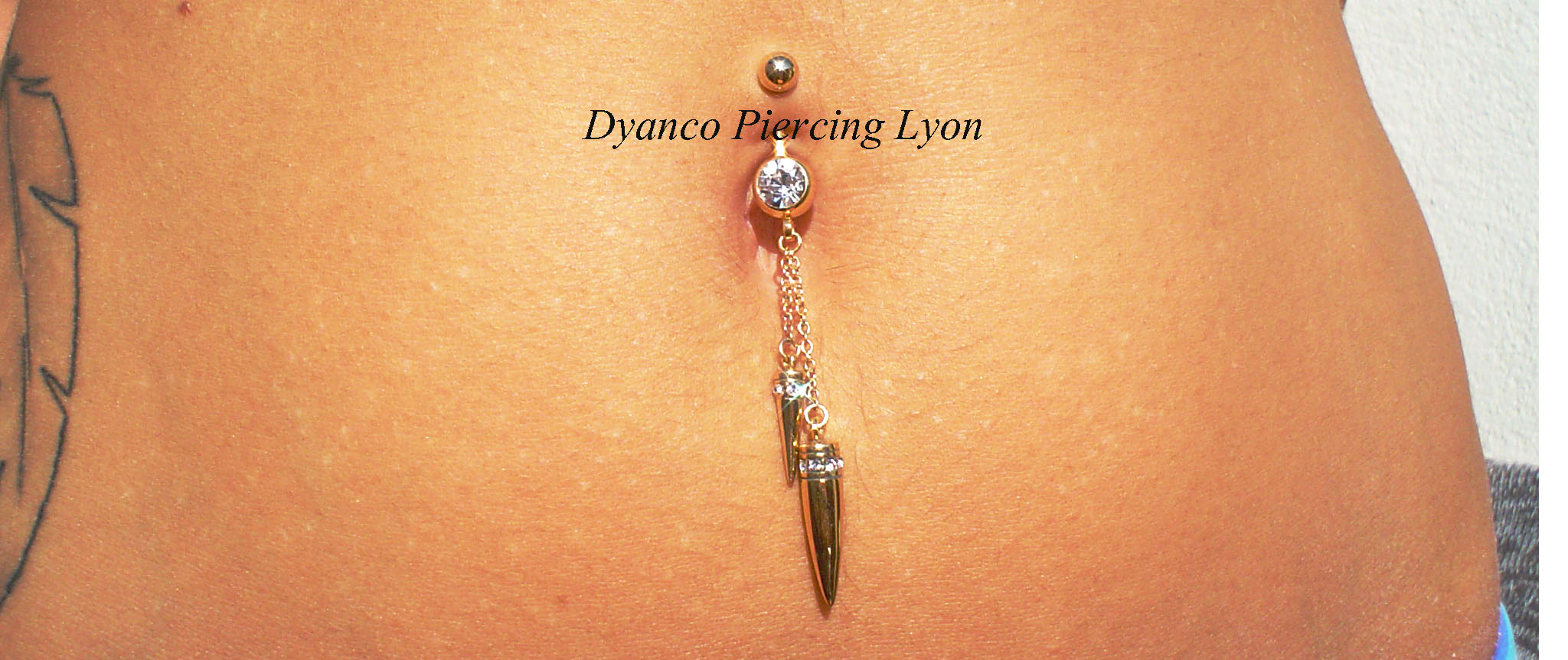 piercing nombril cone