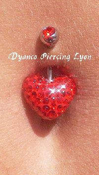Piercing nombril coeur cristal rouge