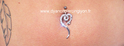 piercing nombril serpent.jpg