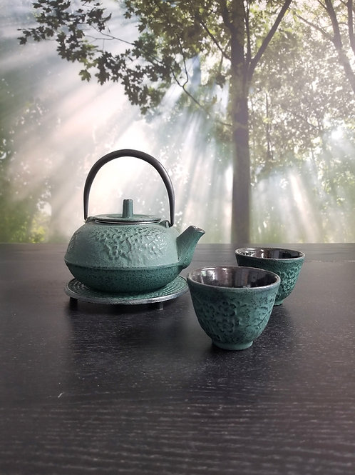 Tea Pot Cast Iron With Cups Green